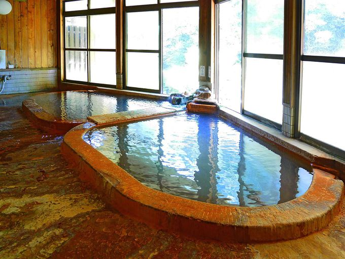 ハート型の極上温泉に、たった200円で入浴