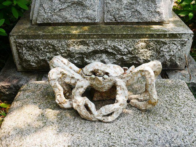 蟹に感謝の「かにかに神社」
