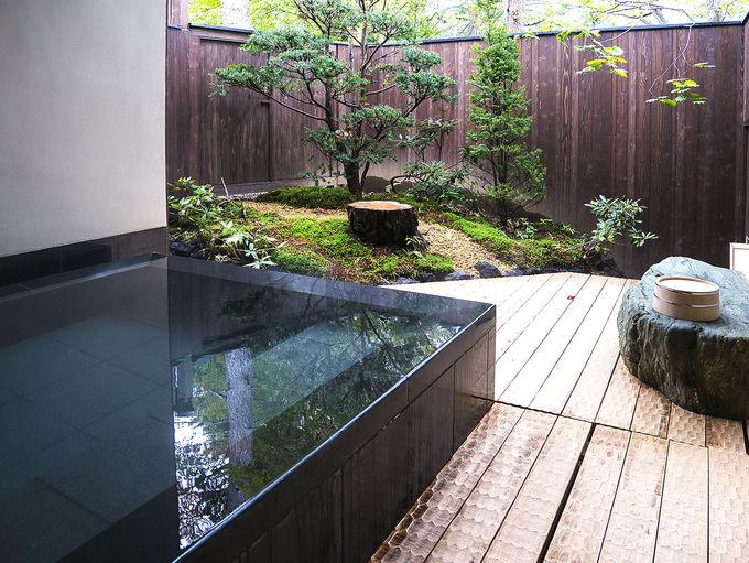 モダンな貸切風呂で草津の名湯を独占する
