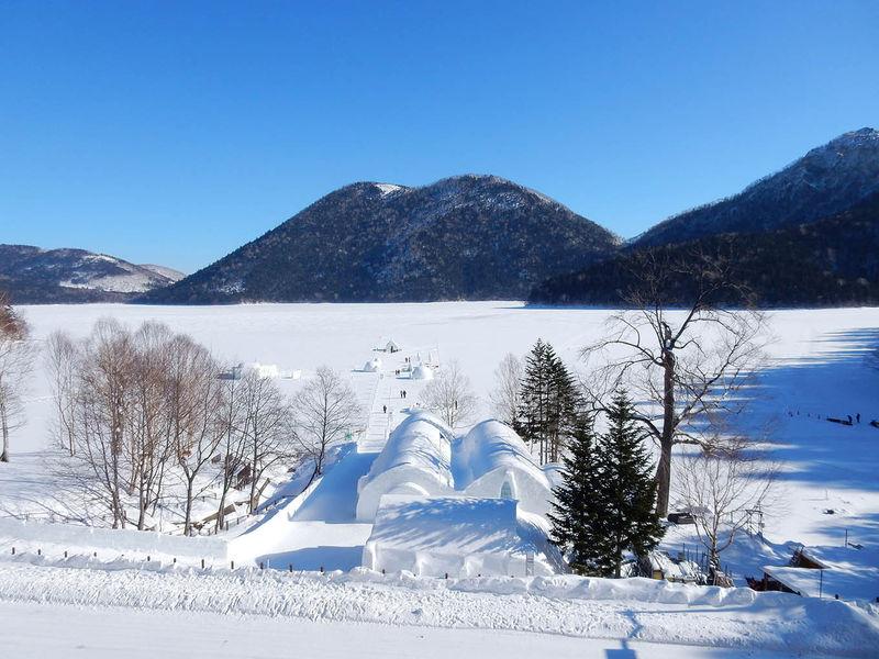 凍結した湖上の村!十勝「然別湖コタン」で奇跡の絶景を満喫