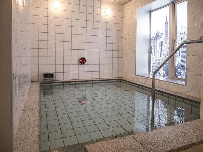 大浴場はスタイリッシュ
