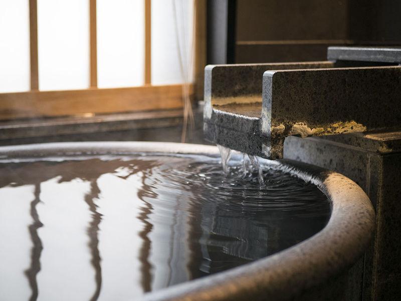 2部屋の宿!草津温泉の客室温泉付き「湯川テラス」は女子に人気