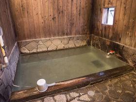 無料の共同浴場「千代の湯」で草津温泉の湯畑源泉を満喫
