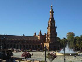 インスタ映えも!セビリア「スペイン広場」で建築美に浸る
