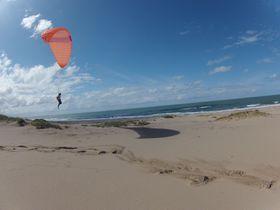 鳥取砂丘を思う存分満喫!パラグライダー体験で鳥取の大空を飛ぼう!