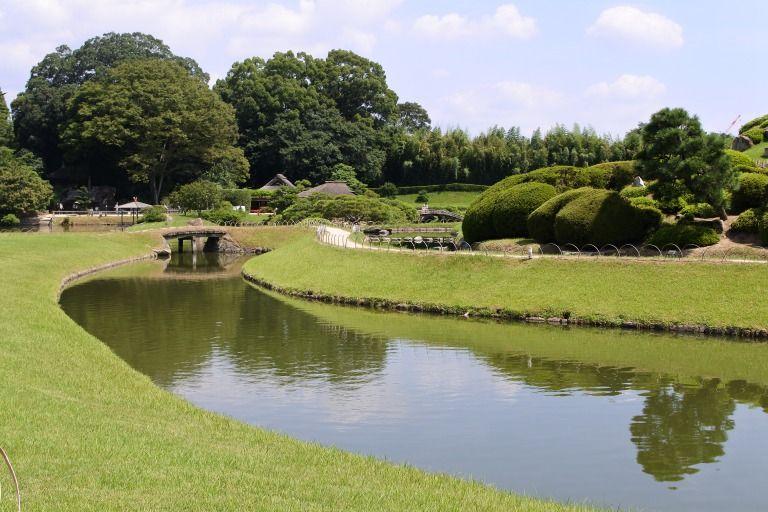 後楽園に映える「岡山城」