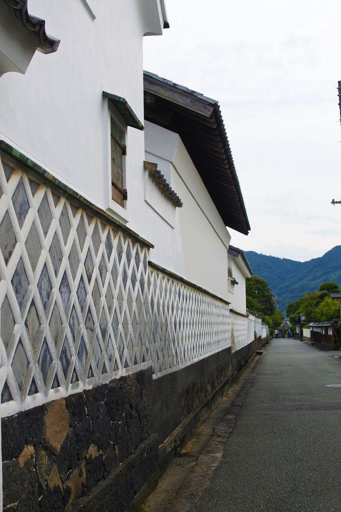 美しい菊屋横町のなまこ壁!