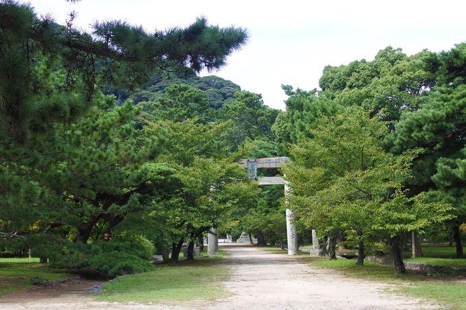 歴代藩主が祀られている「志都岐山神社」!