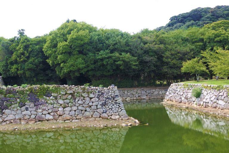 萩城跡のお堀と石垣も必見!
