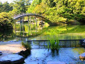 趣と風情ある香川の大名庭園!「栗林公園」で癒しのひと時を