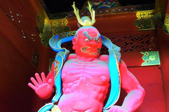 金剛力士像が護る「仁王門」