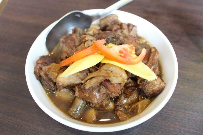 とろとろのお肉はやみつきに!国民食「Adobo(アドボ)」