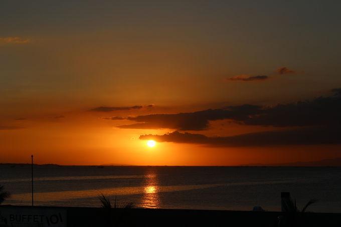 マニラ湾の美しい夕日をお土産に