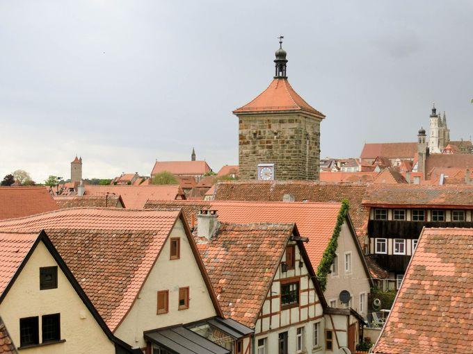 城壁に登ってローテンブルクの町並みを一望
