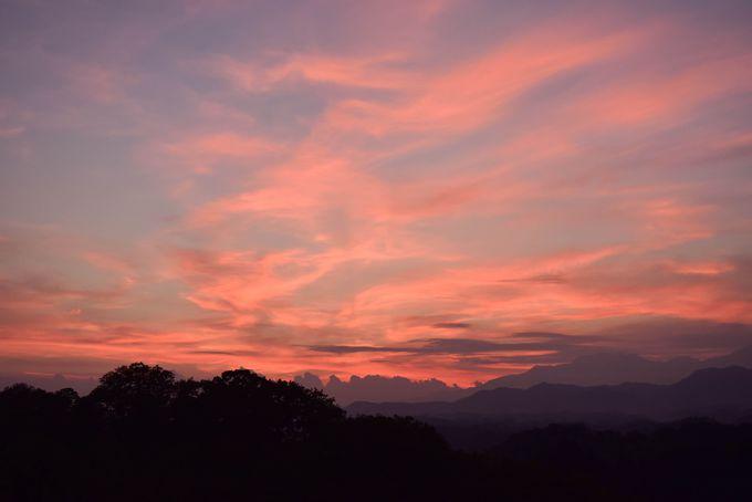 ストロベリー色の夕日も美しい岡城