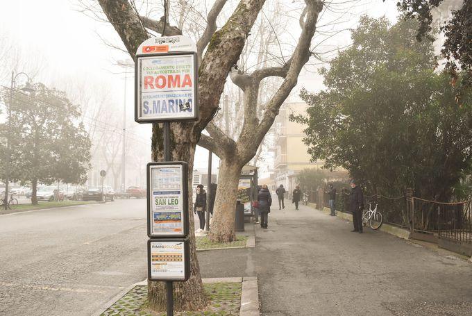 リミニから路線バスの乗継ぎでアクセス