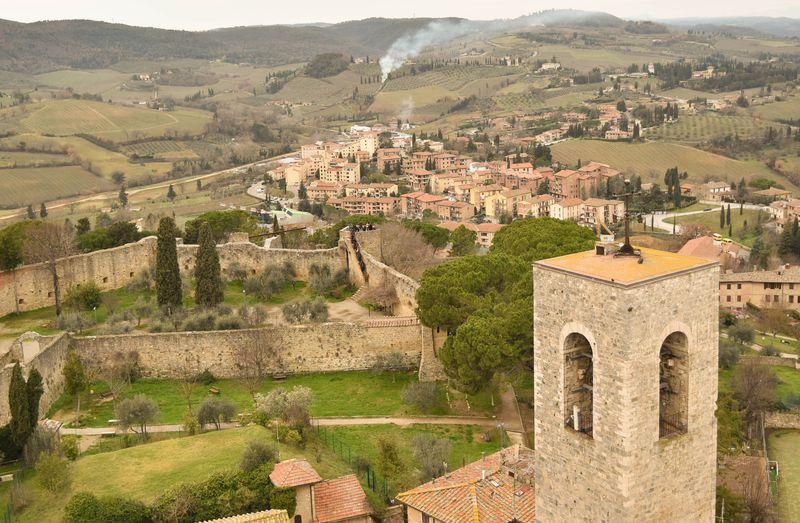 14本の塔と城壁が物語る中世の栄華!伊サン・ジミニャーノ