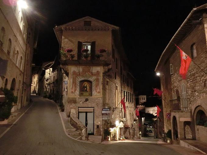 要塞からの夜景観賞と旧市街散策