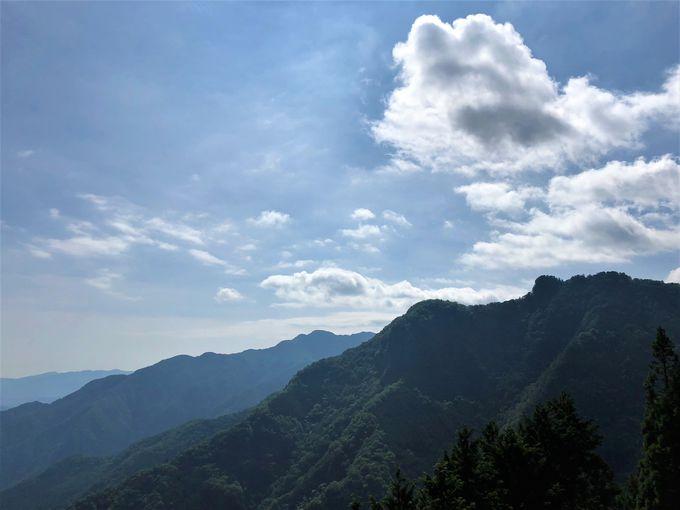 絶景パノラマが望める遥拝殿
