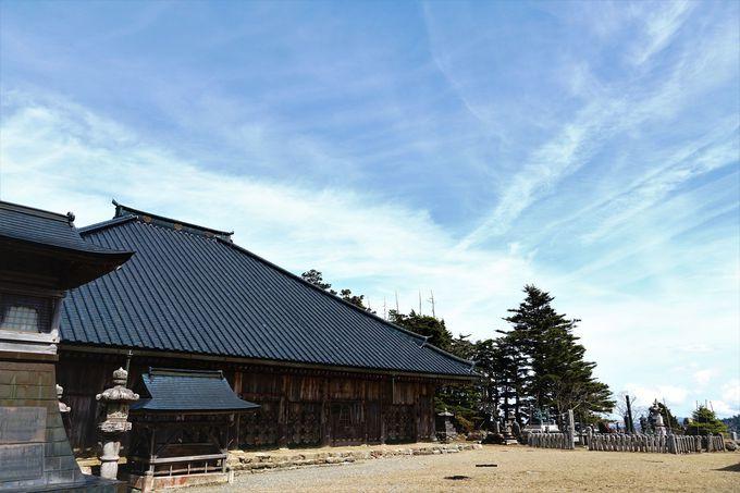 修験道の聖地「大峯山寺山上蔵王堂」