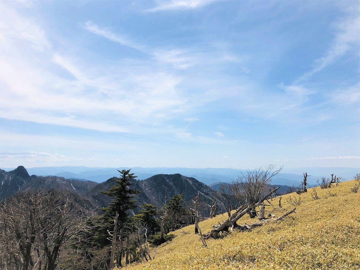 絶景の山々を望むことができる山頂「山上ヶ岳」