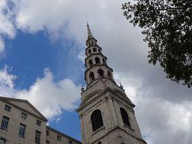 ウェディング・ケーキの原型はこの塔!ロンドン「聖ブライド教会」