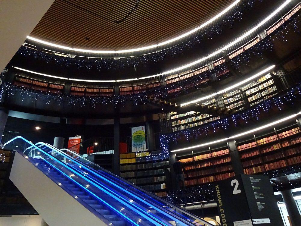 圧倒的なヴィジュアル!バーミンガム図書館