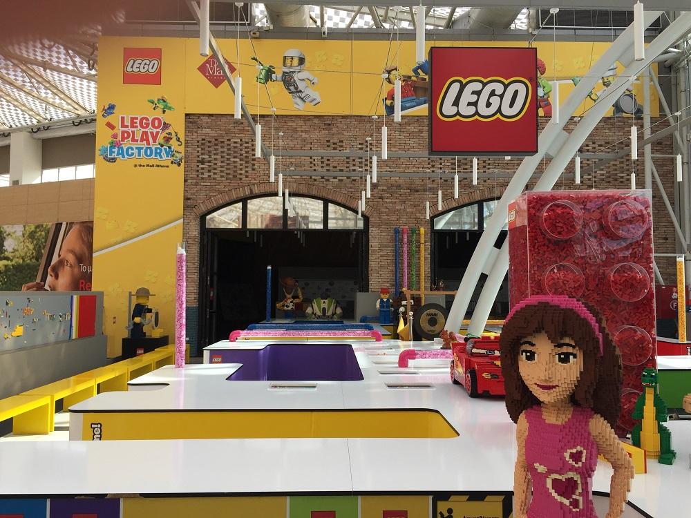 子供が安心して遊べる「ルナパーク」、人気の「レゴストア」
