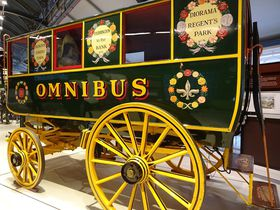 レトロな乗り物で時空トラベル!「ロンドン交通博物館」