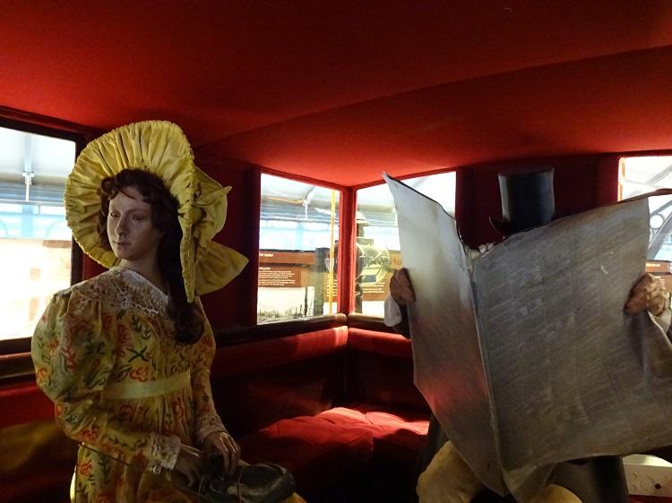 バスの原型・乗合い馬車の「オムニバス」に乗ってみよう