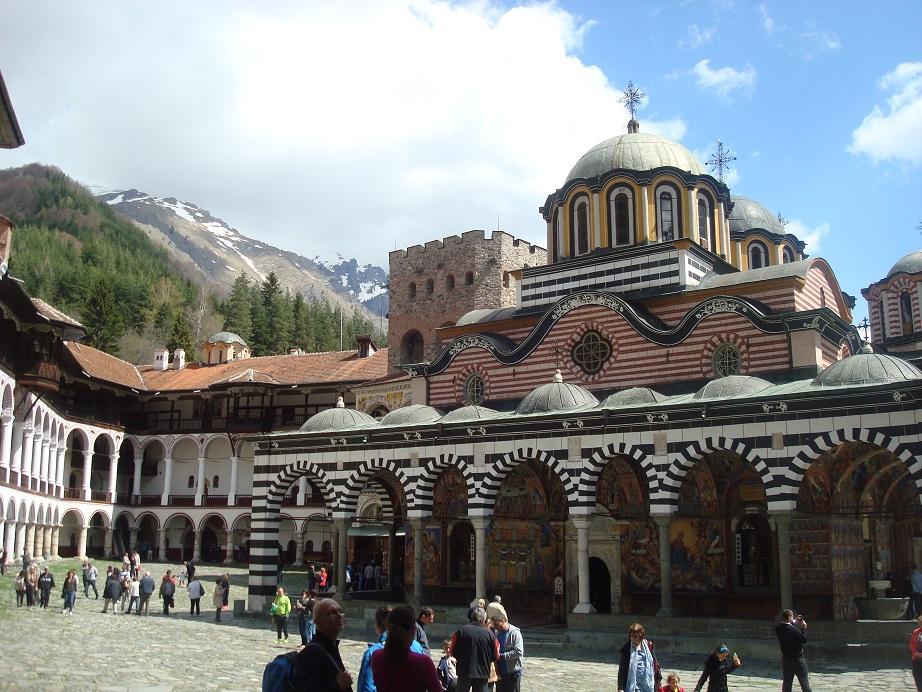 ブルガリア世界遺産の一番人気・リラ修道院は見なくちゃ損!
