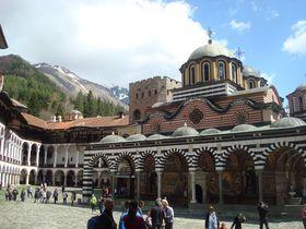 ブルガリア2大世界遺産 リラ修道院とボヤナ教会を日帰りで!