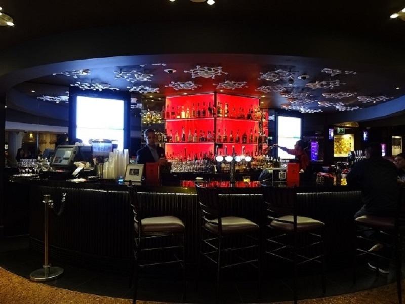 中華街で飲茶、それともカジノでステーキ?盛り沢山グルメ!
