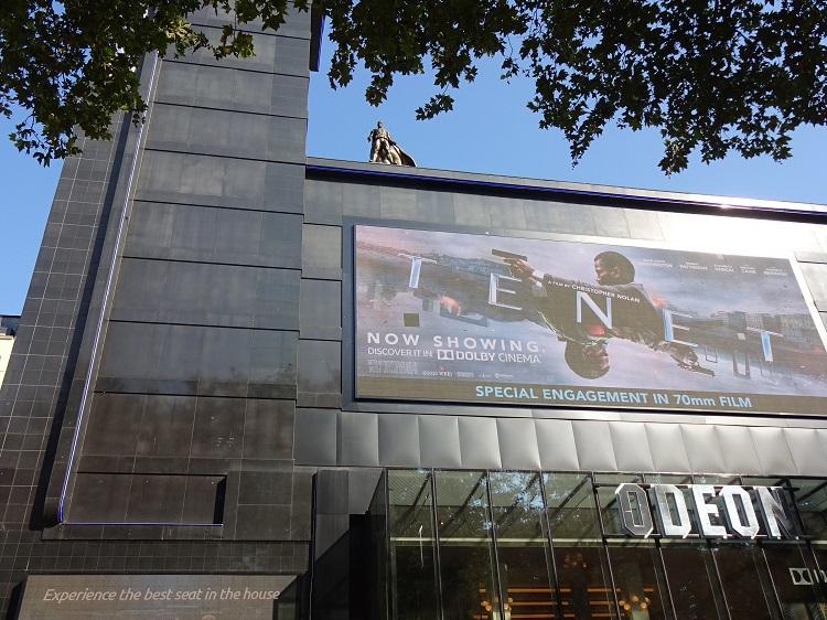 レスタースクエアは、映画や演劇などエンタメの発信地