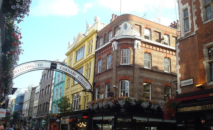 カーナビー・ストリートで60年代ロンドンの息吹を感じよう!