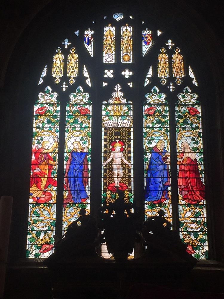 聖ジョン・パブティスト教会 12世紀に遡る信仰の中枢