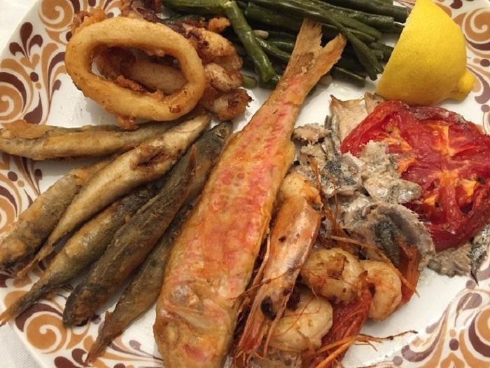 ギリシャ料理ってどんな感じ?特徴と代表的なメニュー