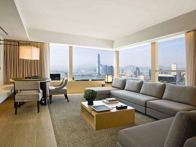 高台にあるシンプルモダンなラグジュアリーホテル