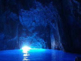 ギリシャのメイス島「青の洞窟」!トルコ・カシュからデイトリップ