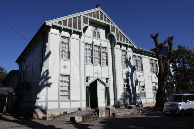 絹織物産業の歴史に触れる…群馬大学工学部同窓記念会館