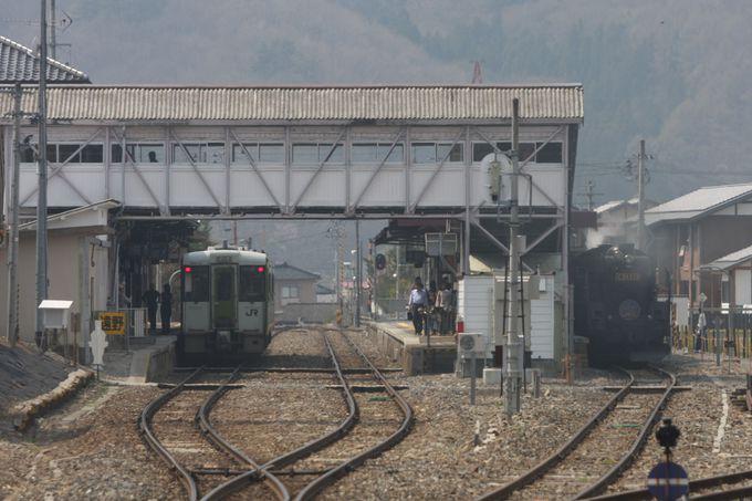 遠野駅で一息…