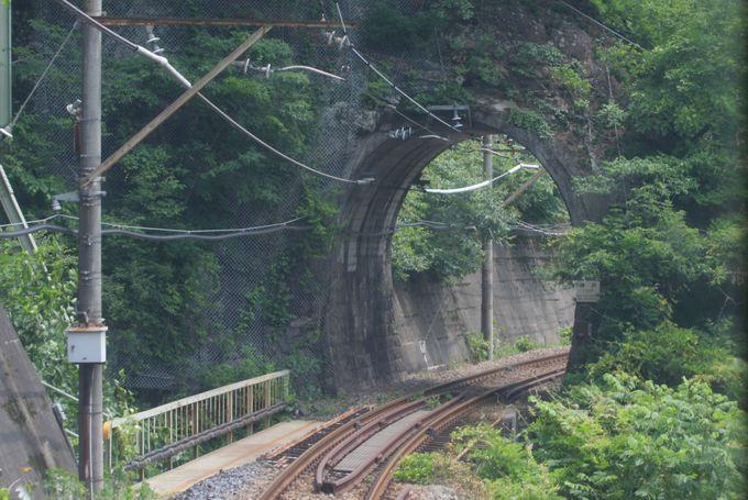 日本一短い!…樽沢トンネルを通過
