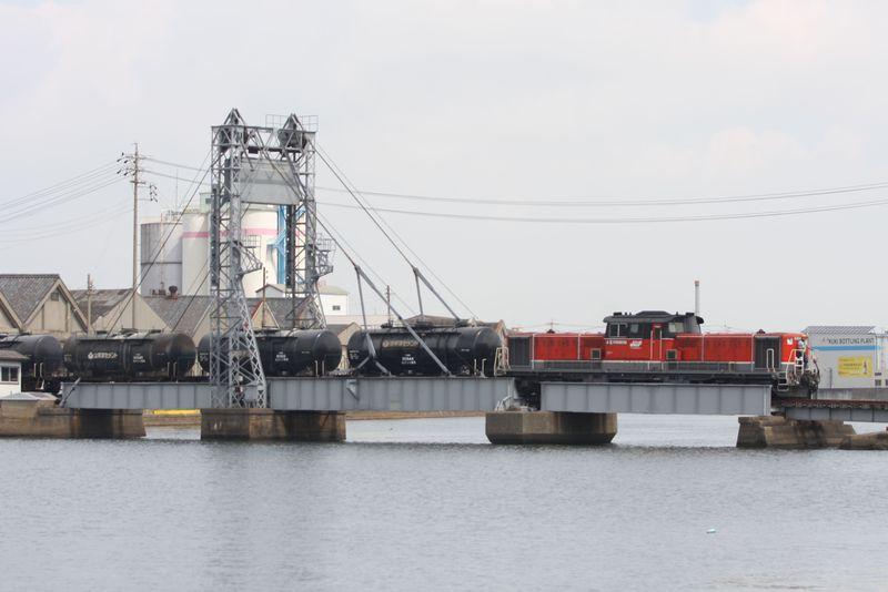 今やココだけ!三重県四日市の貨物列車と鉄道可動橋を見に行こう!〜JR関西本線乗り撮り歩き