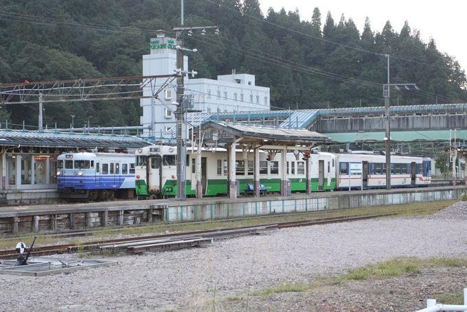 まずは小出駅へ…魚野川ほとりの小駅から出発!