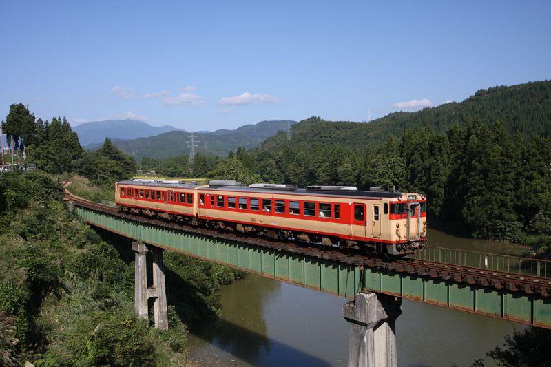 新潟・魚沼発〜ローカル線で絶景と絶品蕎麦を堪能!〜JR只見線乗り撮り歩き