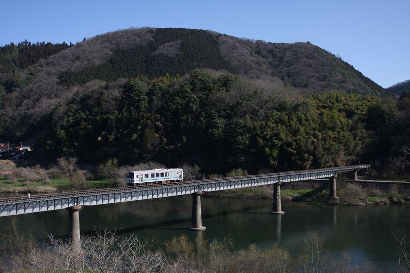 ローカル線で島根県・江の川をゆるりと旅しよう〜JR三江線乗り撮り歩き