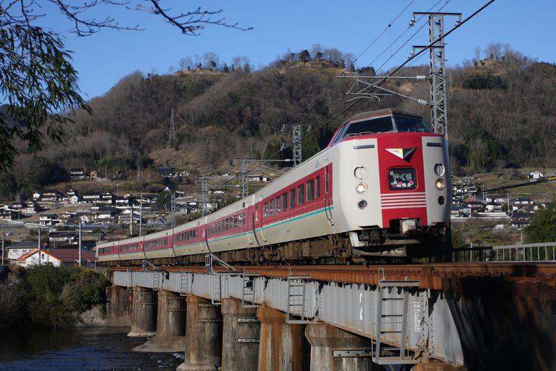 岡山発〜中国山地を鉄道で横断・途中下車の旅〜JR伯備線乗り撮り歩き