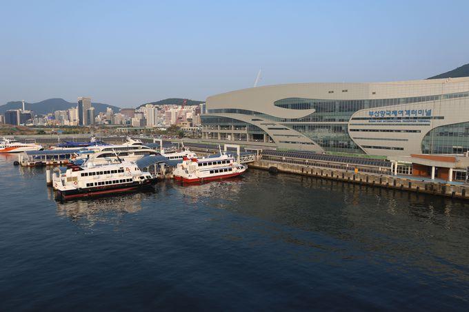 目ざめたら、そこは釜山港〜フェリーは海上の展望台
