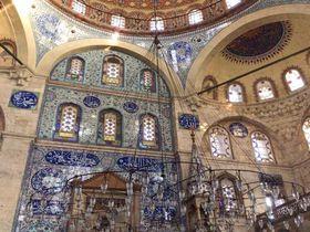 深く濃い青が美しい!イスタンブールのモスク「ソコルル・メフメト・パシャ・ジャーミィ」