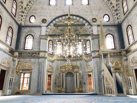 バロックとオスマンの折衷が見事!イスタンブール「ヌスレティエ・モスク」